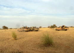 Armed Islamist fighters race near the Mauritania-Mali border on May 21st. (Magharebia)