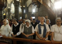 Amidst a civil war and pervasive persecution, nuns gather for mass in the Catholic Patriarchate in Damascus in September. Source: Christian Post