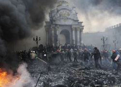 Independence Square on February 20th as anti-government protestors clash with riot police. Image Source: AFP