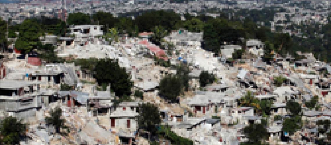 Port-au-Prince the day after the earthquake (REUTERS/Eduardo Munoz)