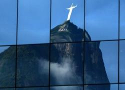 Cristo Redentor overlooks Rio and its Summit (BBC)